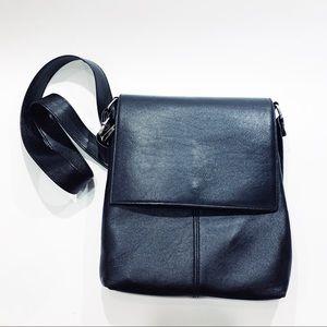 Handbags - Black leather crossbodyblack